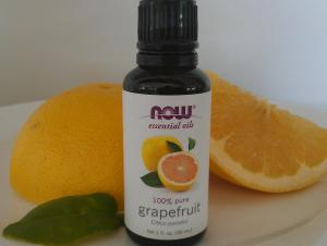 "Grapefruit essential oil was shown to decrease food intake in mice in a recent scientific study, so it may be a very useful weight-loss ""tool"" to try when dieting and trying to"
